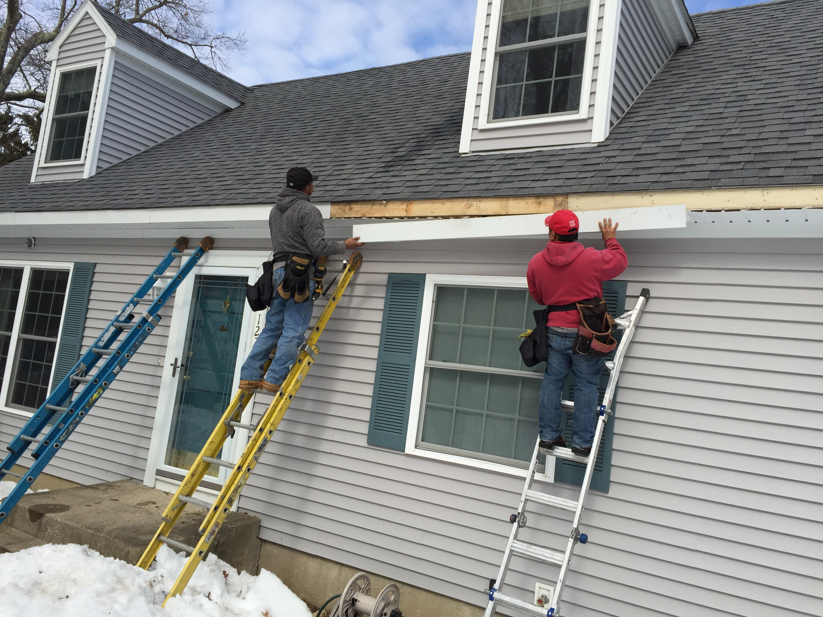 Gutter repair and replacement syracuse ny commercial for Does a house need gutters